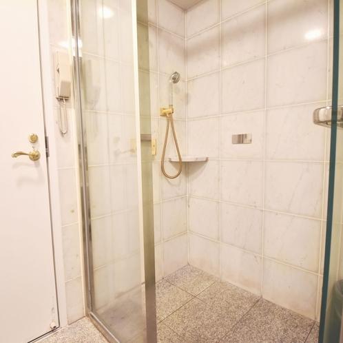 スイートルーム シャワーブース