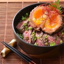R-肉塊ステーキ丼