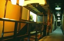 本館 二階廊下