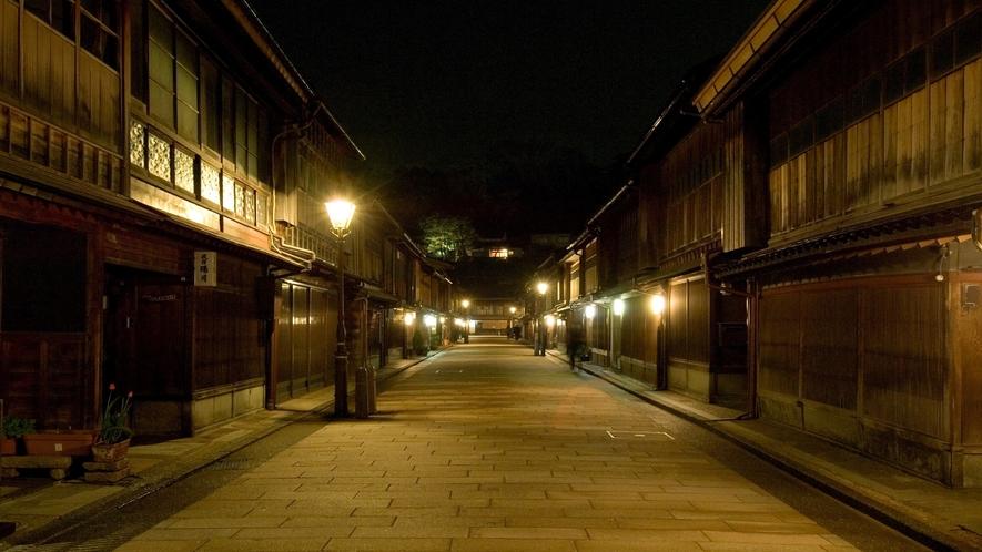 ひがし茶屋街(ライトアップ)