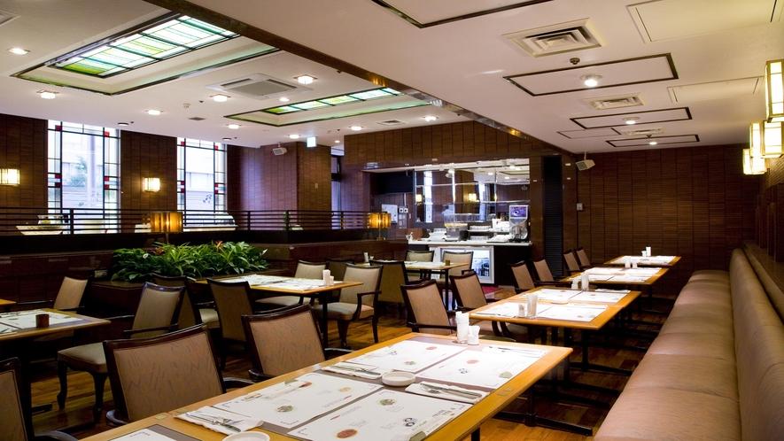 1Fレストラン「エーデル」