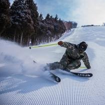 スキー滑走