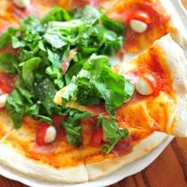 ラウンジピザ【昼食】