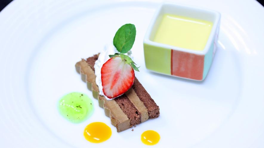 デザート一例/カスタードプディング・ガトーショコラ