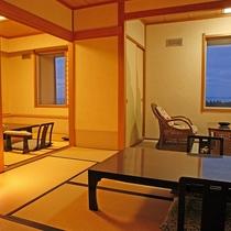 <本館・広めのお部屋>和室10畳+6畳、バス・トイレ付