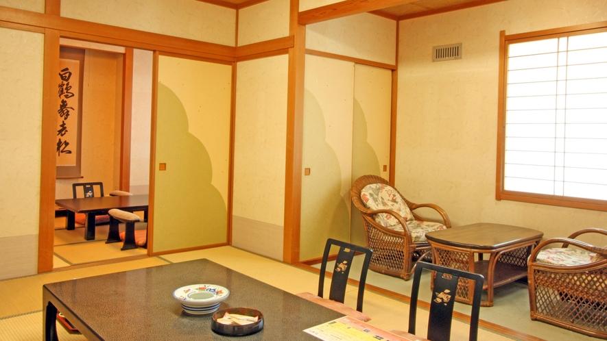 本館 最上階の広めの和室【10+6畳】