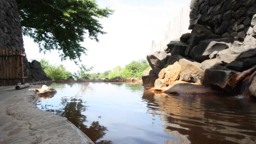 露天風呂『源泉石山の湯』(夏の午後)