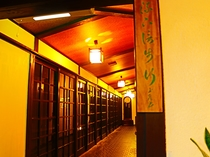 1階廊下の入り口