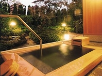 客室露天風呂(東離れ)