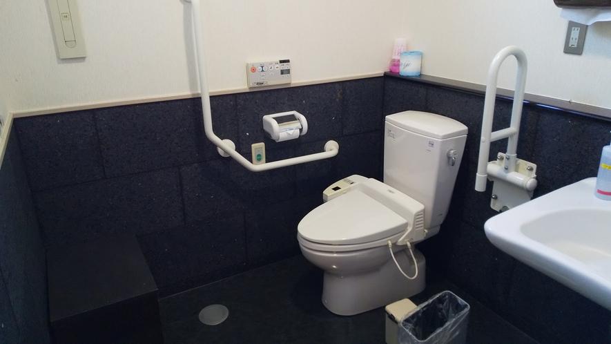 【パブリックトイレ】広さも十分なバリアフリー対応