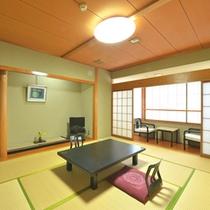 *【和室10畳一例】畳の香り漂う和室でお寛ぎ下さい。