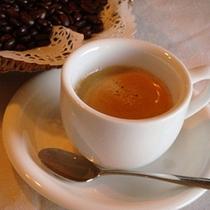 1杯ずつドリップされたコーヒー