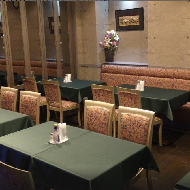 【レストラン風景】