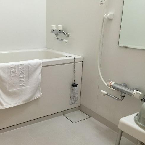 【お風呂】*和室Bユニットバス*洗い場付お風呂