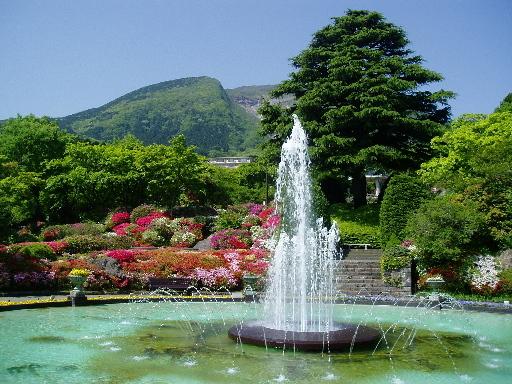『強羅公園』(1)強羅のシンボルとして、なくてはならない強羅公園は真ん中に噴水があります