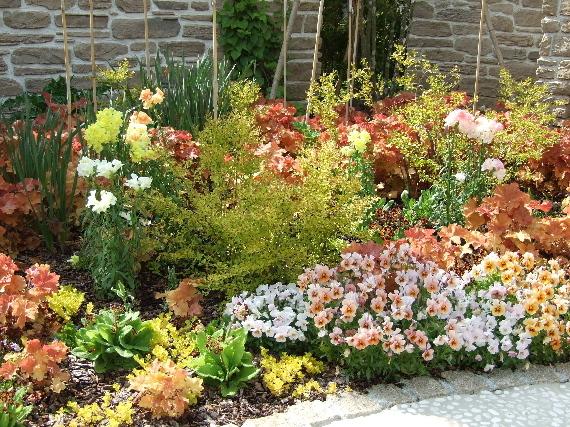 『星の王子さまミュージアム』(2)園芸家・吉谷桂子さんのお庭がきれいです。