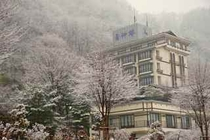 冬ホテル全景