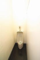 男性トイレ1