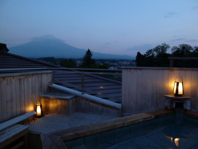 展望露天風呂「天の川」からの夕方の風景
