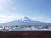 積雪翌日の富士山(2016年11月)