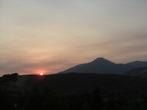 当館裏山散策道から見た日の出(2009年5月26日撮影)