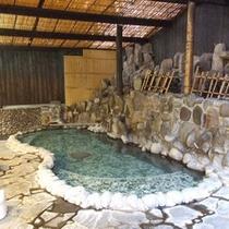 *トロトロで化粧水のような泉質の温泉。美肌の湯として人気です♪
