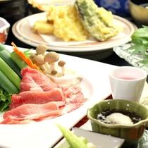 【スタンダード】季節の創作会席一例。天領もち豚のしゃぶしゃぶや、旬の食材を使った約13品の会席料理