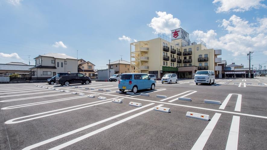 普通車65台が駐車可能な駐車場