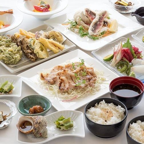 【夏旅セール】【沖縄料理】『アグー豚の網焼き』も満喫♪シェアする卓盛 まーさんコース≪2食付≫