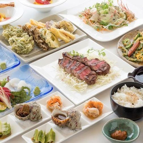 【夏旅セール】【沖縄料理】『黒毛和牛の網焼き』も満喫♪シェアする卓盛くわっちーコース≪2食付≫