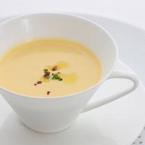 レストランハピナ(島人参の冷製スープ/料理一例)