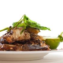 レストランハピナ(近海魚のカブト焼き/料理一例)