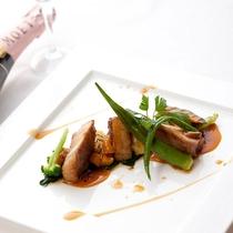 レストランハピナ(アグー背肉のロースト/料理一例)