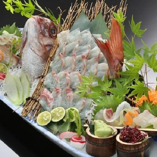 鯛の活造り(4名盛りの例)