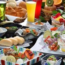 約80種類の朝食バイキング(和洋イメージ)