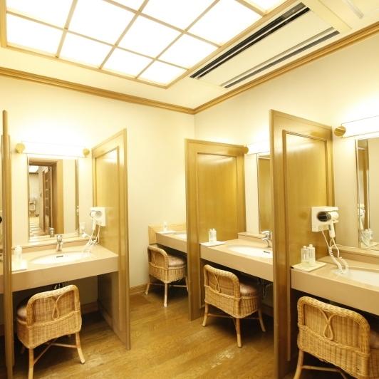 婦人 大浴場 パウダールーム