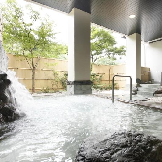 男性 大浴場 庭園露天風呂