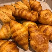 朝食バイキング 人気のクロワッサン