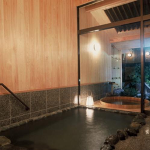和楽貸切風呂【あじさい】露天風呂は桶風呂