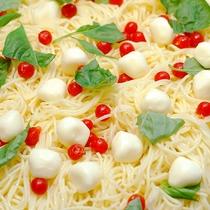 トマトとモッツアレラチーズのカッペリーニ★(気まぐれ日替わり)