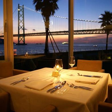【アニバーサリー】【オーベルジュ】絶景と極上ディナーで祝福/ディナー窓側席確約/ホールケーキ&花束付