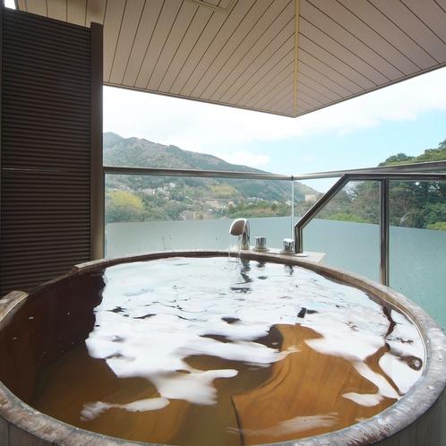 角部屋の露天風呂一例