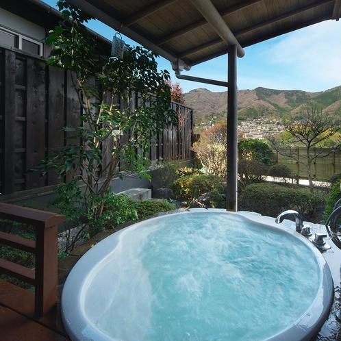 ジェットバスの露天風呂付き和洋室&ベッドルームの露天風呂