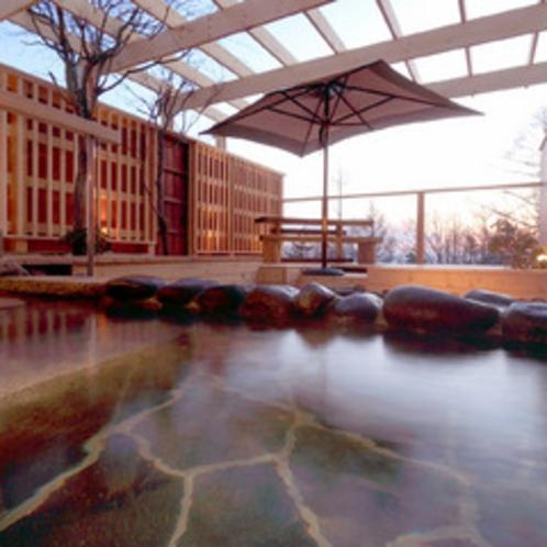 早春の本館露天風呂