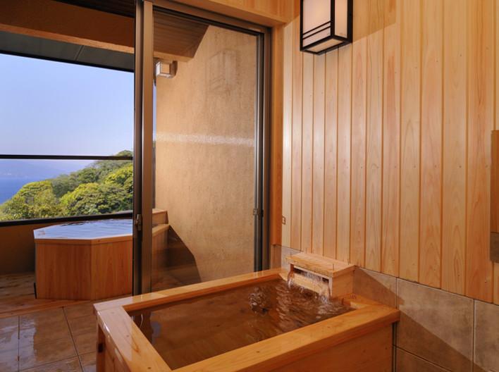 離れ貴賓室の客室露天風呂&展望内湯
