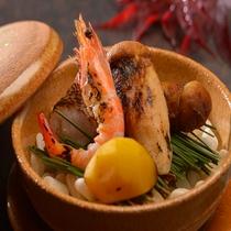 秋を代表する食材「松茸」も季節限定でご提供