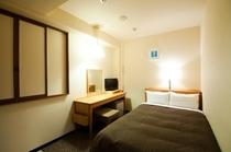 セミダブル 白を基調とした明るく清潔感ある室内