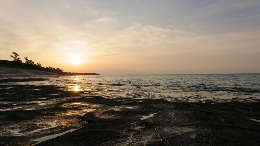 石畳からの朝陽