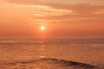 相模湾から昇る朝日