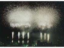 【周辺・観光スポット】フィナーレは大空中ナイアガラ!熱海花火大会